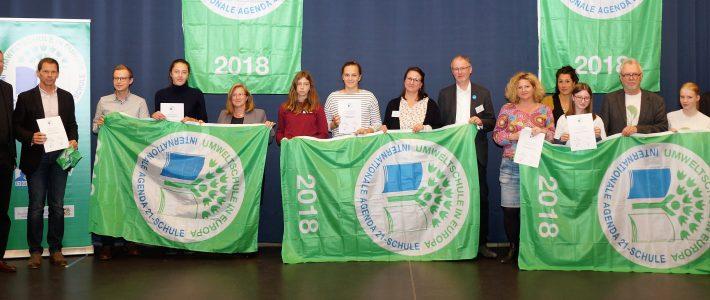 Umweltminister Huber zeichnet Ernst-Mach-Gymnasium erneut als Internationale Agenda 21-Schule aus
