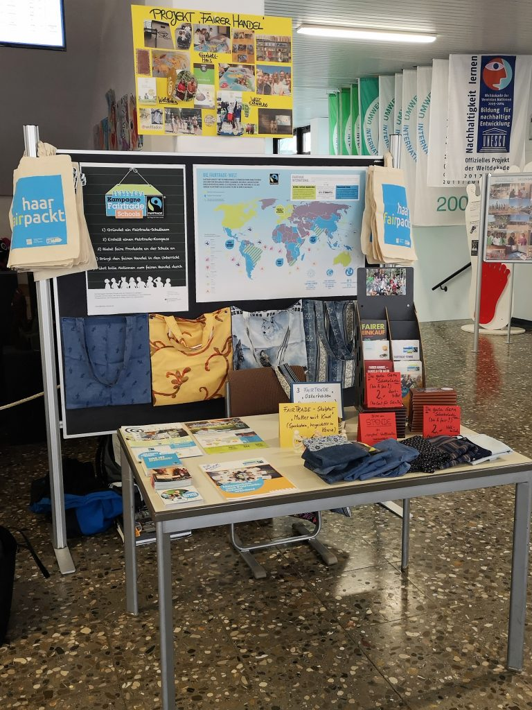 Infostand Fairtrade-School